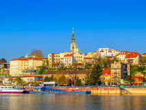 Port de touristes de Belgrade sur Sava River With Kalemegdan Fortress et Photographie stock