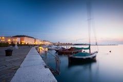 Port de Trieste la nuit Photos libres de droits