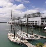 Port de viaduc de dock de bateaux à voiles Photos libres de droits
