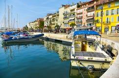 Port de Vieux à Cannes, France Photos stock