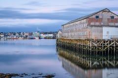 Port de village de pêche de Vadsø dans Finnmark, Norvège photos libres de droits