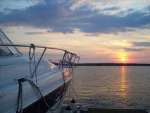 Port de Yaht au coucher du soleil Photo libre de droits