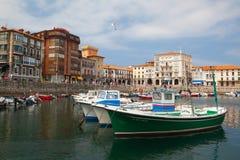 Port en Castro Urdiales, Espagne photo stock