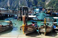Port en Phi Phi Photos stock
