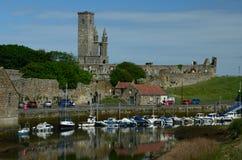 Port et cathédrale Images stock