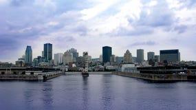 Port et horizon de Montréal Photographie stock