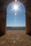 Port för forntida stad på kullen över stad Arkivfoton