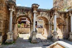 Port för Hadrian ` s i gammal stad av Antalya kalkon arkivfoton