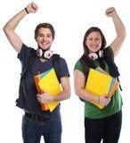 Port för man för ung kvinna för lycka för lyckad framgång för studenter lycklig royaltyfria foton