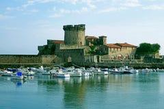 Port & fort av Socoa, helgon Jean de Luz, Frankrike Fotografering för Bildbyråer