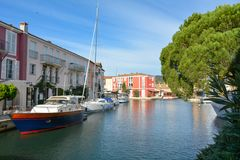 Port Grimaun, yachts and architecture