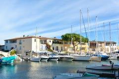 Port Grimaun, yachts et architecture Photos stock