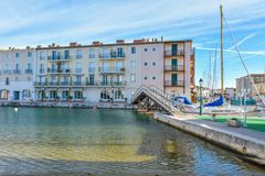 Port Grimaun, yachts et architecture Image stock