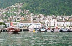 Port i Angra DOS Reis. Rio de Janeiro royaltyfri bild