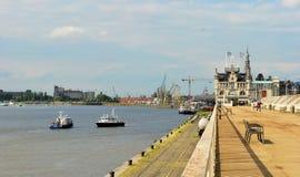 Port i Antwerpen Royaltyfri Bild