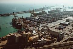 port i Barcelona den b?sta sikten arkivbilder