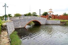 Port in i den Dong Hoi citadellen, Quang Binh, Vietnam 2 Arkivfoto