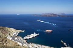 Port i Santorinis caldera Fotografering för Bildbyråer