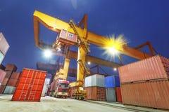 Port industriel avec des récipients Photo libre de droits