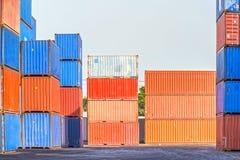 Port industriel avec des récipients Image libre de droits