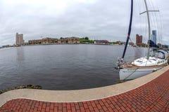 Port intérieur avec la rivière de Potapsco, Baltimore, Etats-Unis images stock