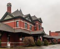 Port-Jervis, NY/Vereinigte Staaten - 7. März 2017: eine Landschafts-Ansicht des ehemaligen Port-Jervis-Bahnhofs der Erie-Eisenbah stockfotografie