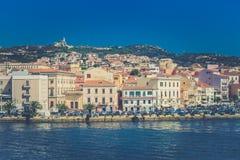 Port los angeles Maddalena w Włochy Samochody na nadbrzeżu obrazy royalty free