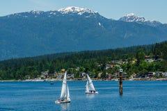 Port lynniga Kanada - Maj 28, 2017, Rocky Point Spray Park, segelbåtsportaktiviteter Royaltyfria Foton