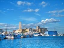 Port maritime d'horizontal. Monopoli. Apulia. Photographie stock libre de droits