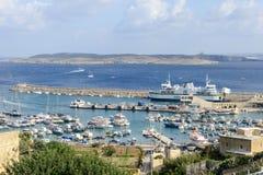 Port Mgarr na małej wyspie Gozo, Malta - zdjęcie stock