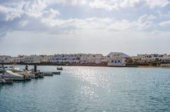 Port morski Caleta De Sebo w losu angeles Graciosa wyspie fotografia stock