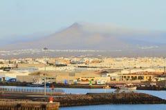Port morski przy wulkan stopą Arrecife, Lanzarote, Hiszpania Zdjęcie Royalty Free