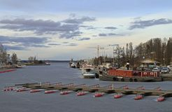Port Mustalahti dans la ville finlandaise Tampere photos libres de droits