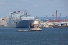 Port Nowy Jork i Nowy - bydło i latarnia morska zdjęcie royalty free