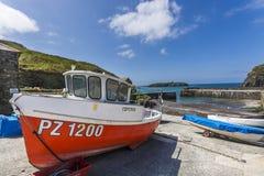 Port och vågbrytare för fiske för Mullen liten vik historisk Arkivbild