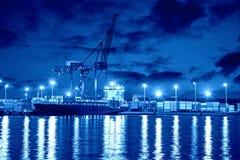 Port på natten Arkivfoton