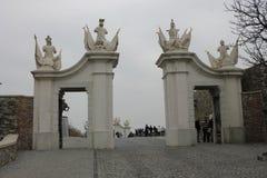 Port p? den Bratislava slotten - huvudstad av Slovakien, Europa arkivfoton