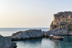 Port reculé en Rhodes Greece image libre de droits