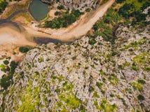 Port Sa Calobra de -美丽的沿海路和风景马略卡,西班牙 免版税图库摄影