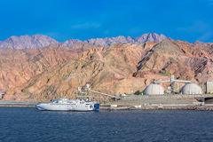 Port sur la côte rocheuse de la Mer Rouge Image libre de droits