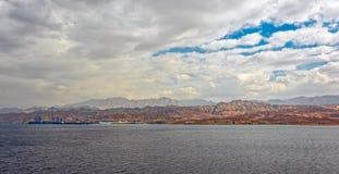 Port sur la côte rocheuse de la Mer Rouge Photos libres de droits