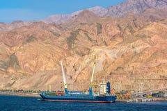 Port sur la côte rocheuse de la Mer Rouge Photographie stock libre de droits