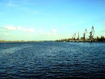 Port sur la rivière Photographie stock