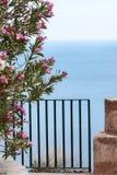 Port till havet, Taormina, Sicilien arkivfoton