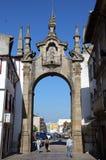 Porta à cidade velha de Braga fotos de stock