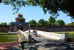 A porta à citadela Hué vietnam Fotografia de Stock Royalty Free