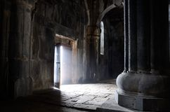 Porta aberta dentro da igreja cristã antiga, monastério de Sanahin, u Imagens de Stock Royalty Free