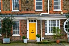A porta amarela Fotografia de Stock Royalty Free