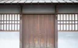 Porta antica tradizionale della casa del Giappone Fotografia Stock