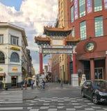 Porta ao bairro chinês em Antuérpia, Bélgica imagens de stock royalty free